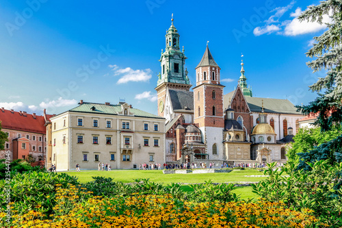 Fototapeta KRAKOW, POLAND - APRIL 02, 2017: The Wawel Royal Castle obraz