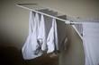 Leinwanddruck Bild T-Shirts auf Wäscheständer, einfach simpel Wäsche trocknen