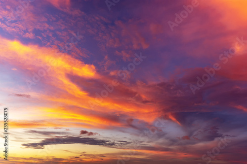 Foto auf AluDibond Aubergine lila Colorful sunset background