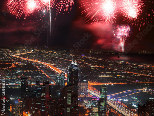 Cadres-photo bureau Pleine lune New Year fireworks display in Dubai, UAE