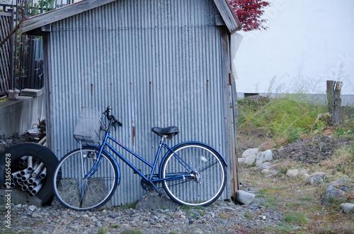 Fotografie, Obraz  小屋と自転車