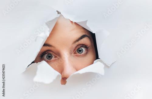 Fotografía  Surprised woman face