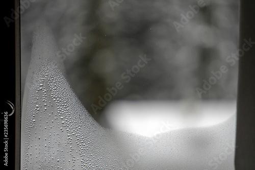 steamy window in winter Tablou Canvas