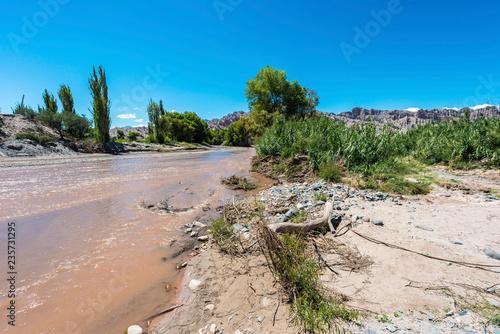 In de dag Rudnes Famous Route 40 in Salta, Argentina.