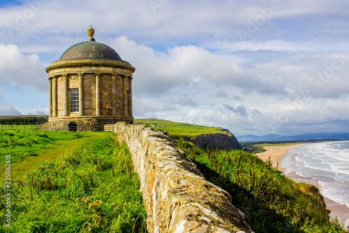 Cuadros en Lienzo Mussenden Temple on the North Coast of Ireland