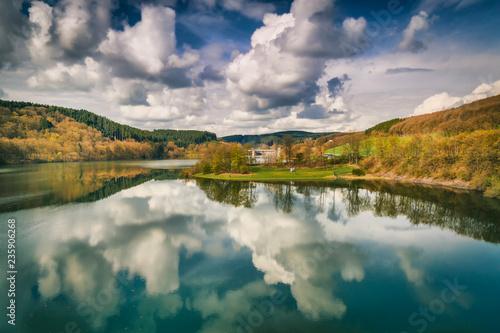 Fototapeta Jezioro bigge-stausee-in-nordrhein-westfalen