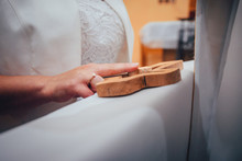 Wedding Ceremony, Cross, Fingers, In Church