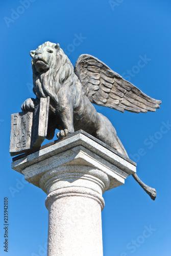 Fotobehang Historisch mon. Il leone alato di San Marco