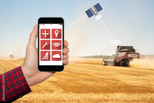 Aufkleber - Control of autonomous harvesters by satellite communication. Smart farming concept