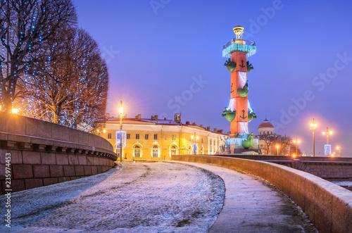 Vászonkép Ростральная колонна Rostral column on Vasilievsky Island