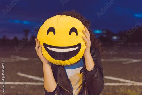 Fotografie, Obraz  smile pillow on face