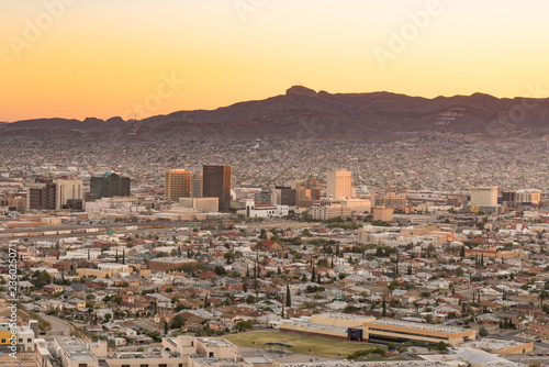 Poster Texas El Paso, Texas Night Skyline