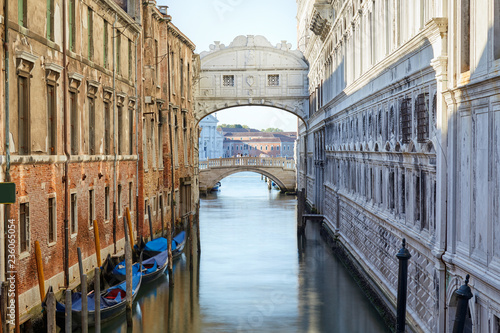 Fototapety, obrazy: Bridge of Sighs and canal in the morning, Venice, Italy