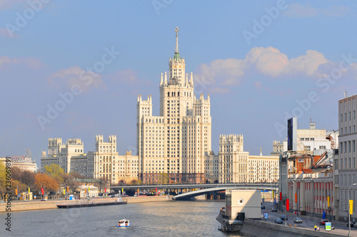 Fotobehang Moskou Moscow river and Kotelnicheskaya Embankment Building one of seven stalinist skyscrapers in Russia.