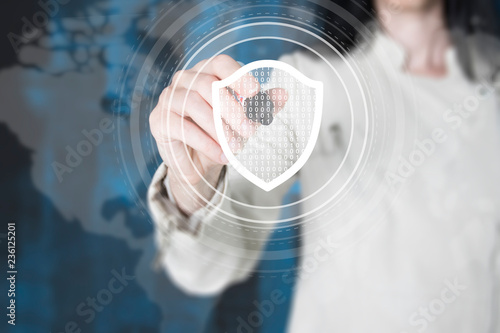 Fotografía  Businesswoman hand press security button