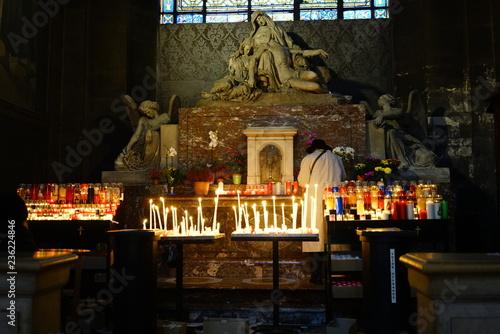 Tuinposter Restaurant church of the savior on blood in paris