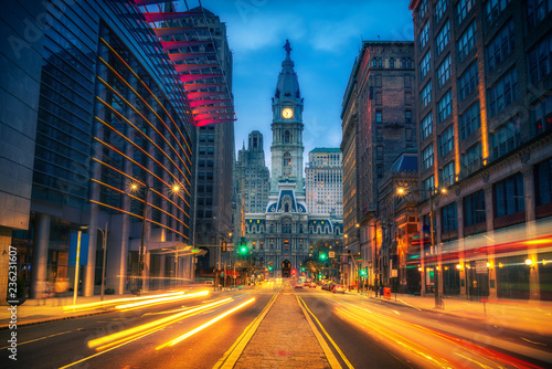Fotografering Philadelphia's historic City Hall at dusk
