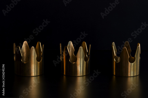 Canvastavla Three gold crowns on black background for Tres Reyes Magos  or Three Wise Men concept background