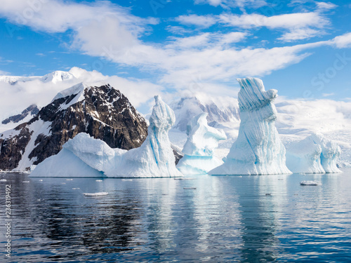 Deurstickers Antarctica Pinnacle shaped iceberg in Andvord Bay near Neko Harbour, Antarctic Peninsula, Antarctica