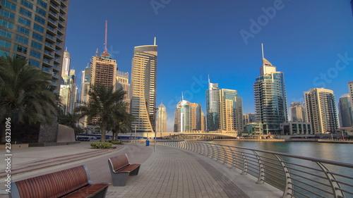 Photo  UAE Modern buildings in Dubai Marina