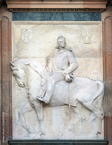 Photographie  Bas-relief of Umberto Primo on Sforza Castle in Milano, Italy.