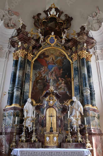 Tuinposter Assumption and the Crowning of Mary, main altar in the Saint Martin church in Unteressendorf, Germany