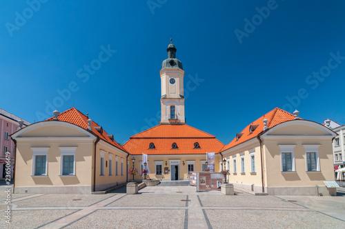 Obraz Ratusz na placu Kościuszki w Białymstoku - fototapety do salonu