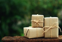 Simple Eco Friendly Gift Boxes...