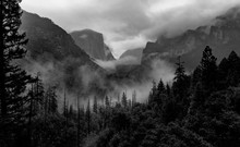 Yosemite National Park With Panoramic View At The Yosemite Tunnel View Point