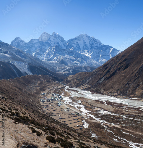 Deurstickers Asia land Pangboche village on the way to Everest base camp, Nepal Himalaya