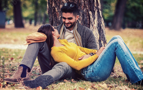 Sitting in a tree dating poolse datingsite