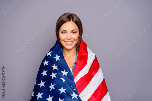 Fotografía  Cute sweet lovely confident smiling student lady emigrant covere