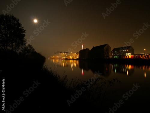 Plakat Nordhafen Hannover przy pełni księżyca