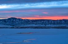Sunset Winter Mountain Lake - ...