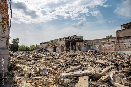 Fotografía Earthquake or war aftermath or hurricane or other natural disaster, broken ruine
