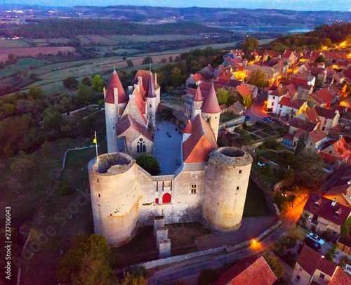 Keuken foto achterwand Historisch geb. Night aerial view of Chateau de Chateauneuf, France
