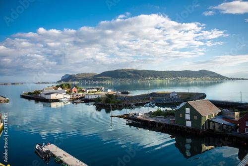 Wall Murals Arctic Fosnavåg an der norwegischen Westküste in Norwegen / Skandinavien