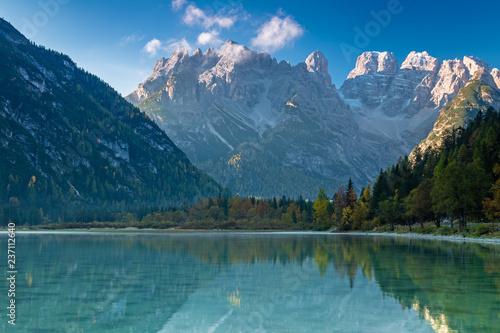 Plakat Dürrensee przed Monte Cristallo rano, Dolomity, Południowy Tyrol