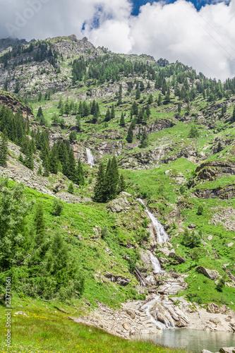 Fotografía  Scenic view of the mountains beside Campiccioli Dam, Antrona, Piedmont, Italy,