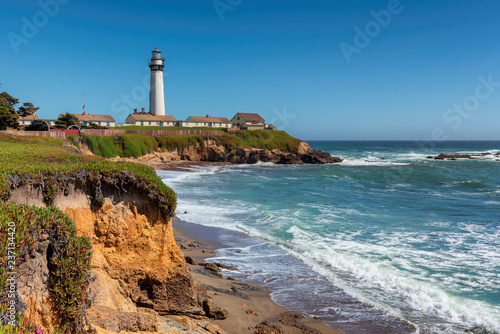 Foto op Aluminium Verenigde Staten California beach with lighthouse. Pigeon Point Lighthouse in a sunny day. Pacific Ocean coastline, Pescadero, California