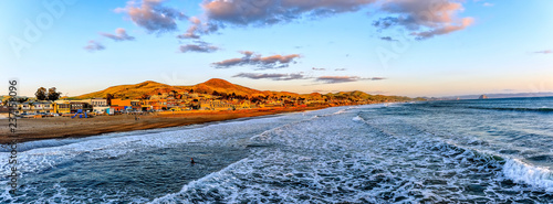 Photo sur Aluminium Piscine Golden Sunset Panoramic Photo, Cayucos, CA