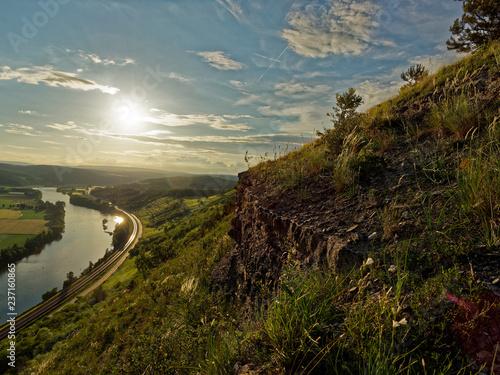 Photo Abend Ÿber dem Naturschutzgebiet Grainberg-Kalbenstein bei Karlstadt, Landkreis Main-Spessart, Unterfranken, Bayern, Deutschland