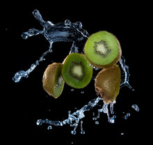 Kiwi Fruit With Water Splash F...
