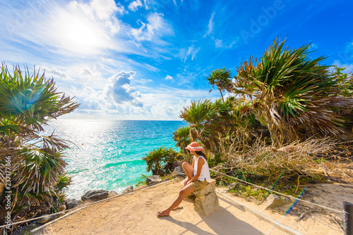 obraz PCV Paradise Scenery of Tulum at tropical coast and beach. Mayan ruins of Tulum, Quintana Roo, Mexico.