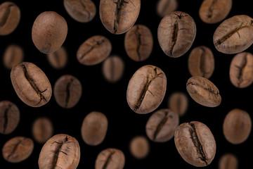 Fototapeta Do kawiarni Coffee beans falling