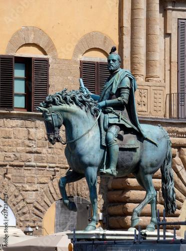 Fotografía  Estatua ecuestre de Cosme I de Médici es una obra de Giambologna situada en la Piazza della Signoria en Florencia