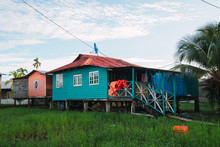 Small Remote Cottages In Tropi...