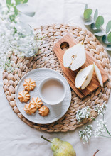 Oat-milk With Biscuits