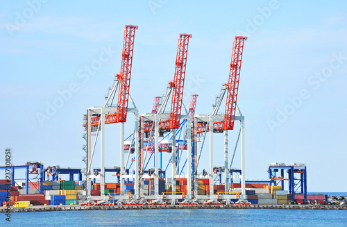 Deurstickers Poort Port cargo crane and container