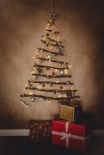 Objects: DIY Christmas Tree De...